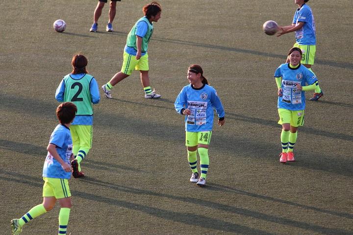葛飾の女子サッカーチーム「南葛SC WINGS」の試合