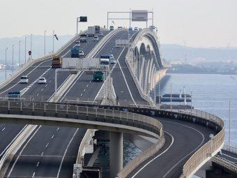 【金教トピックス】行楽シーズンの高速道路の運転