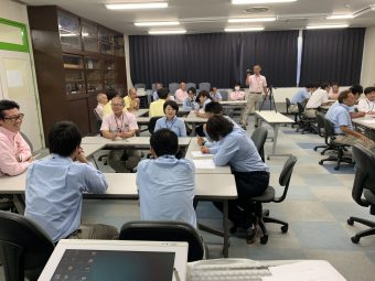 金町自動車教習所の研修風景
