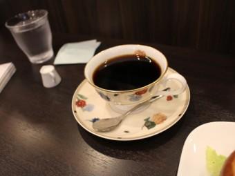 今日のご近所カフェ「新里珈琲」