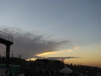 ウワサの【第49回葛飾納涼花火大会】  葛飾柴又野球場の不思議な夕焼け