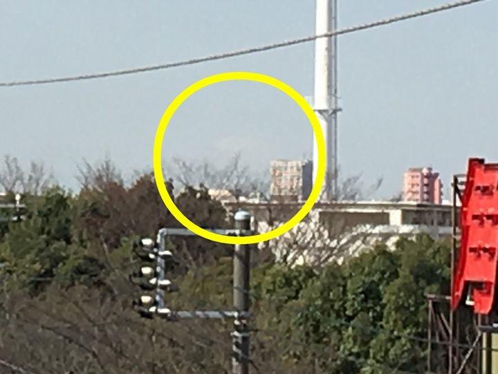 亀有駅から見える富士山