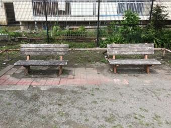 ウワサのイスだらけ公園  【都営鎌倉一丁目住宅広場】