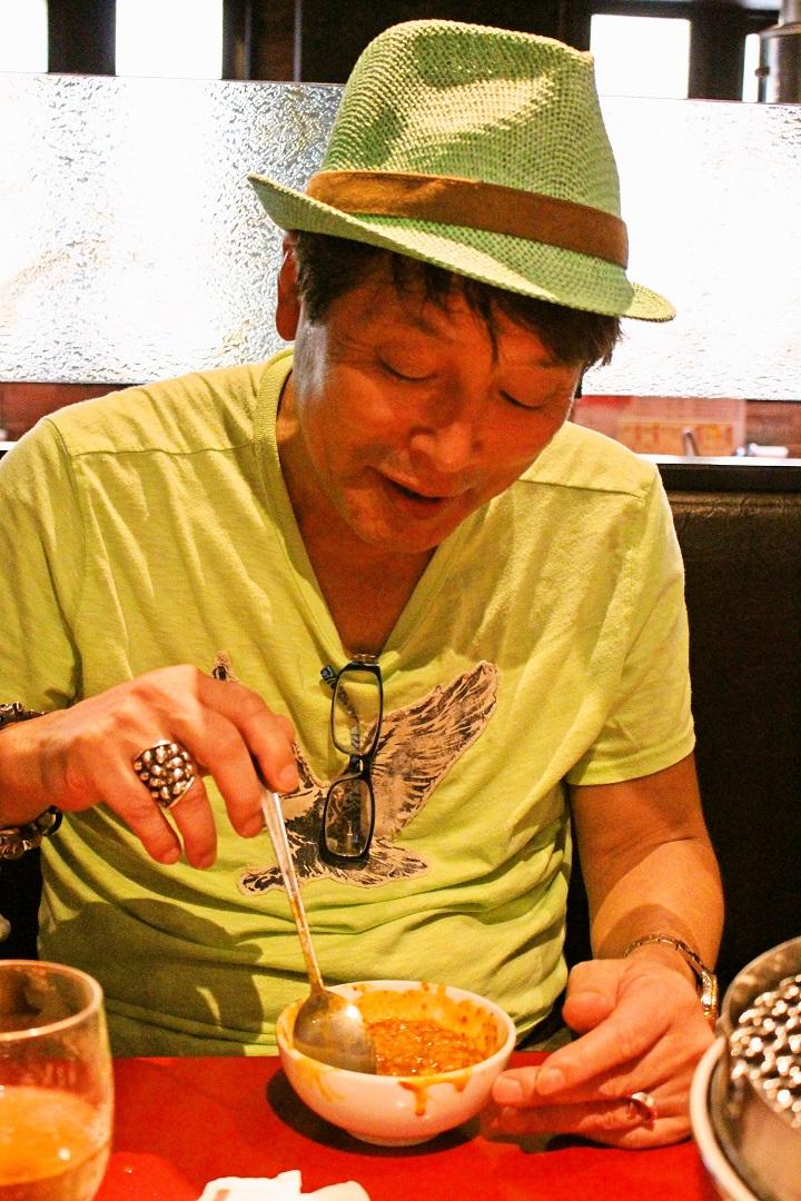 焼肉 錦城苑の限定麺メニュー、平松伸二コラボ「赤の外道麺」